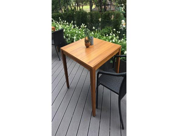 TEAKWOOD SQUARE TABLE