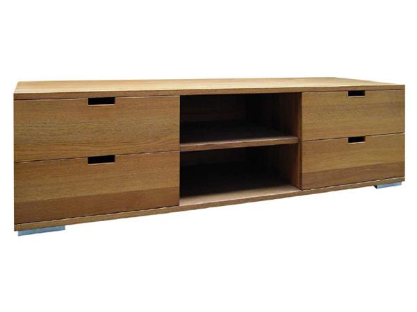 โต๊ะวางโทรทัศน์ทำจากไม้โอ๊ค Oakwood TV Cabinet