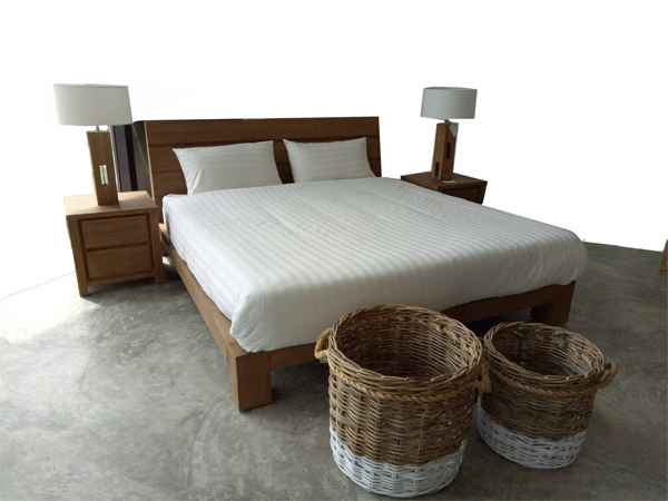 6 FEET TEAK BED WITH SIDE TABLE